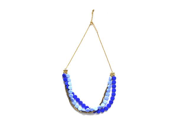 blue petit circle necklace