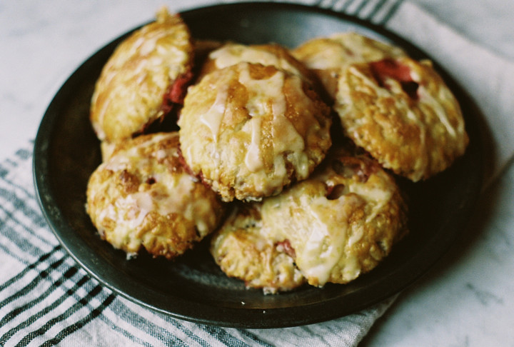 Rhubarb and Strawberry Hand Pies