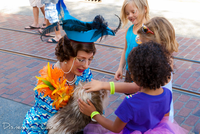 Buena Vista Street - Citizens - Donna the Dog Lady