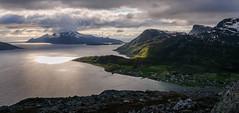 Skulsfjord and Vengsøya, from Trehørningen