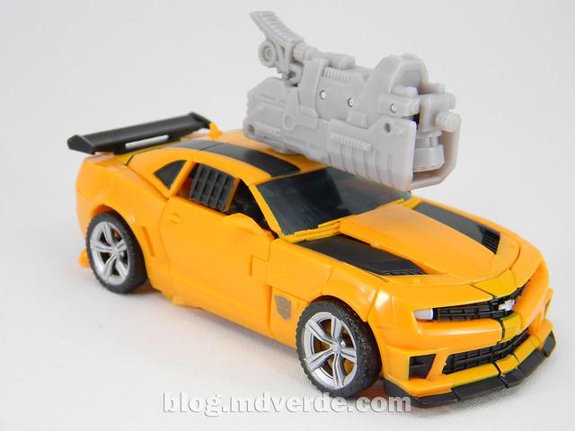 Transformers Bumblebee Deluxe - DotM - modo robot