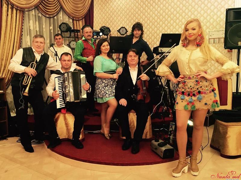 Дойница Герман - солистка и ведущая с профессиональной командой музыкантов