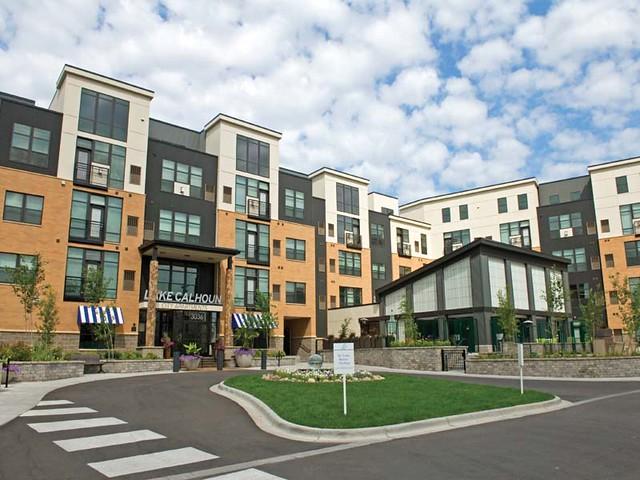 lake calhoun city apartments in uptown minneapolis mn e flickr