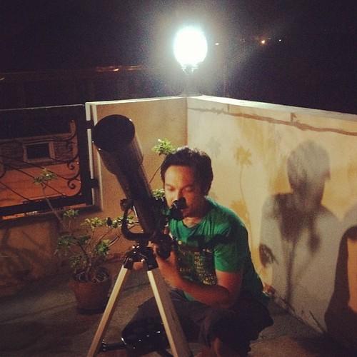 MARCH PAD 23/31: Moon - Not. One of the lights sa rooftop. Sana sa next full moon, mapagana namin ang telescope at magpakita sya sa amin