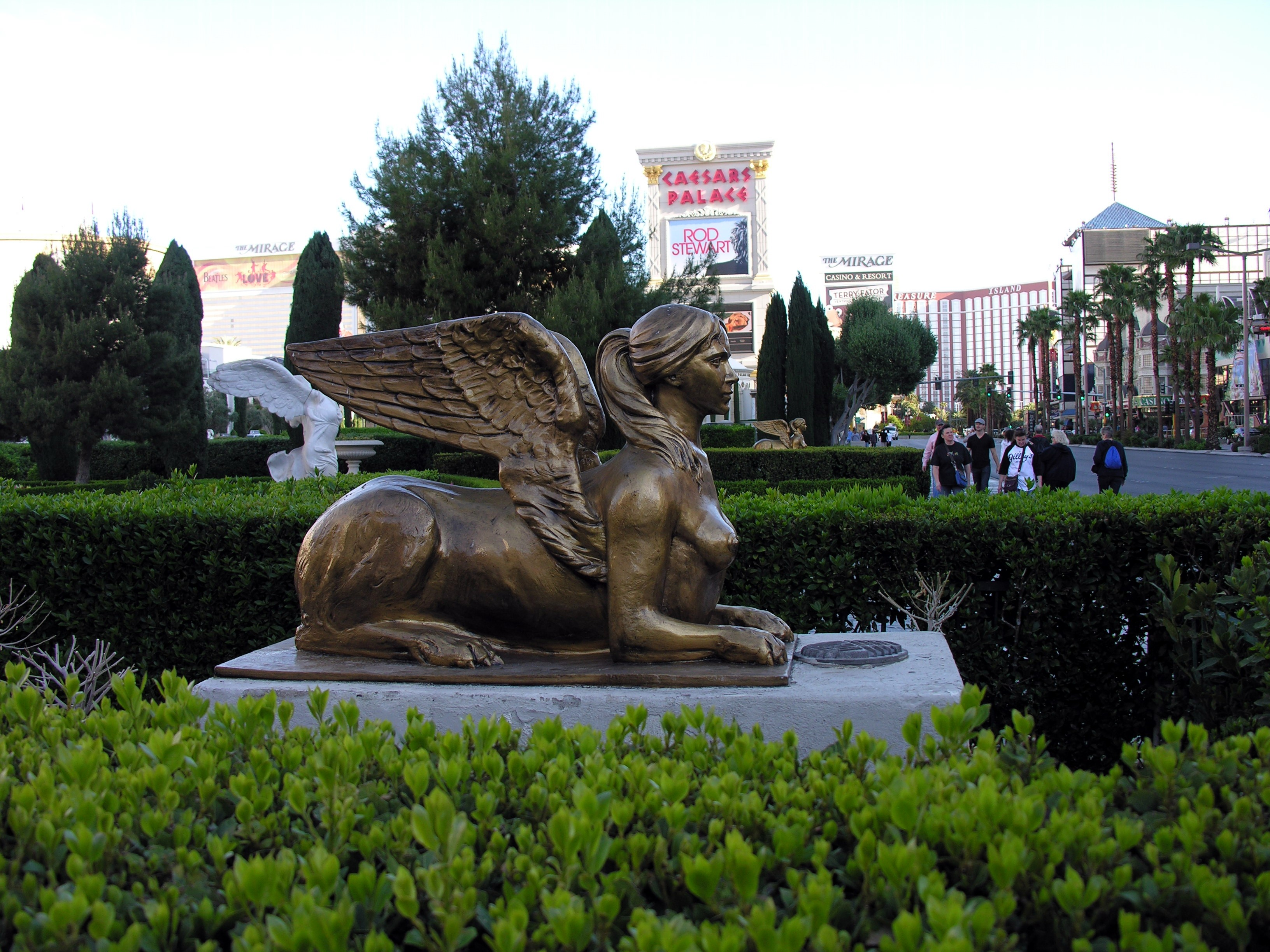 Statues caesars palace las vegas staues in and around for Yard statues las vegas