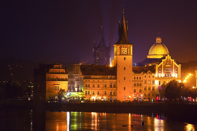 prague night colors