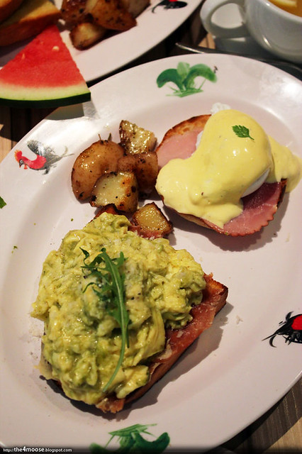 Cafe Epicurious - Green Eggs and Eggs Benedict