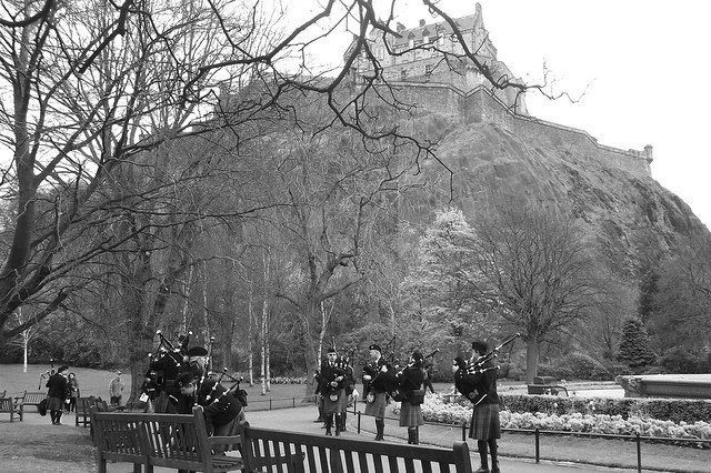 Easter piping by the Castle 013