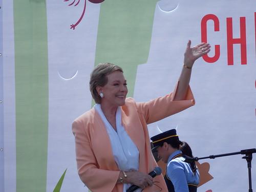 Julie Andrews waves to crowd