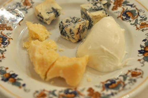 Parmesan, gorgonzola og mozzarella