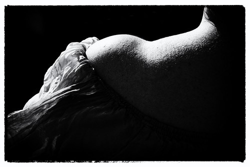 neckline by @uroraboreal