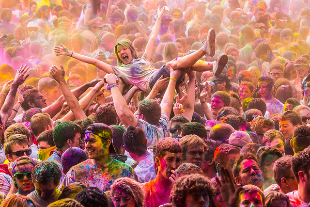 7215052318 14fea59a18 z 15 Amazing Images Of The Festival of Colors