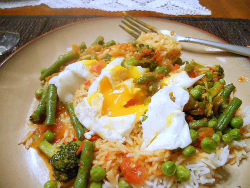 green veggie curry with eggs 011