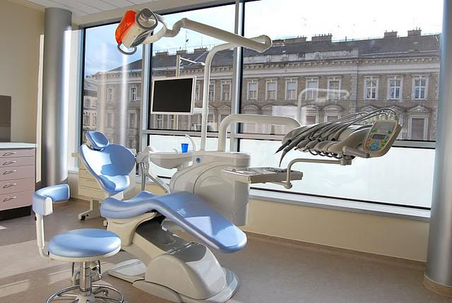 Базальная имплантация зубов в Будапеште