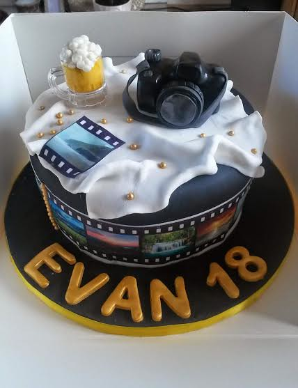 Photographer's Cake by Cheryl Fitzsimmons of Chells Cakes