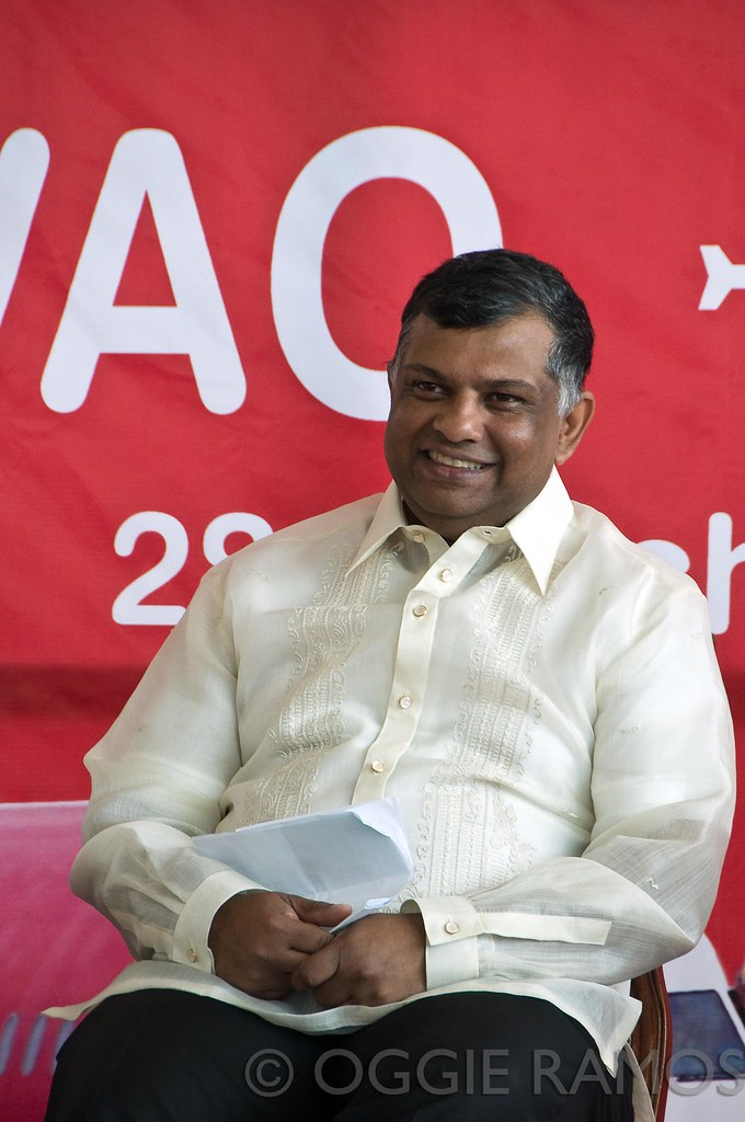 AirAsia Tony Fernandes Smile