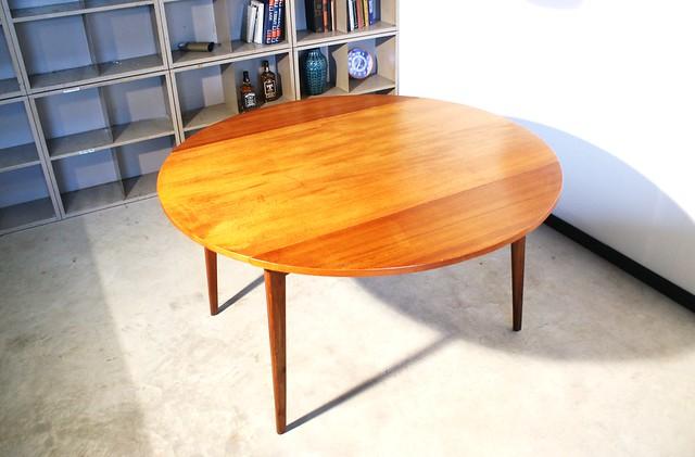 Louis van teeffelen tafel voor webe flickr photo sharing - Tafel tv vintage ...
