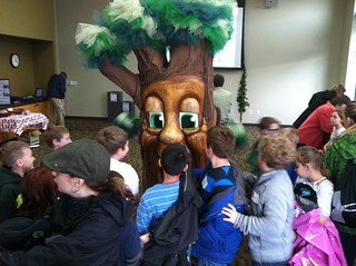 Garry Oak meets Hough Elementary students for Vancouver Arbor Day - April 11, 2012