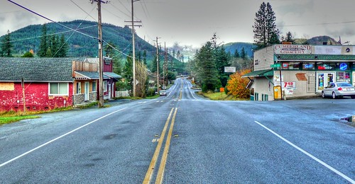 town washington downtown village wa grocery stores crossroads cumberland hamlet