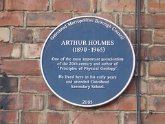 Photo of Arthur Holmes blue plaque