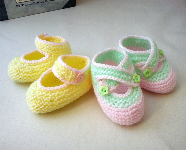 Knit baby shoes Flickr - Photo Sharing!