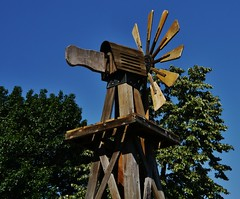 61112-149, Wooden Windmill