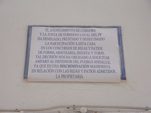 Pancarta de Blanca Ciudad Imedio en su casa en San Basilio.