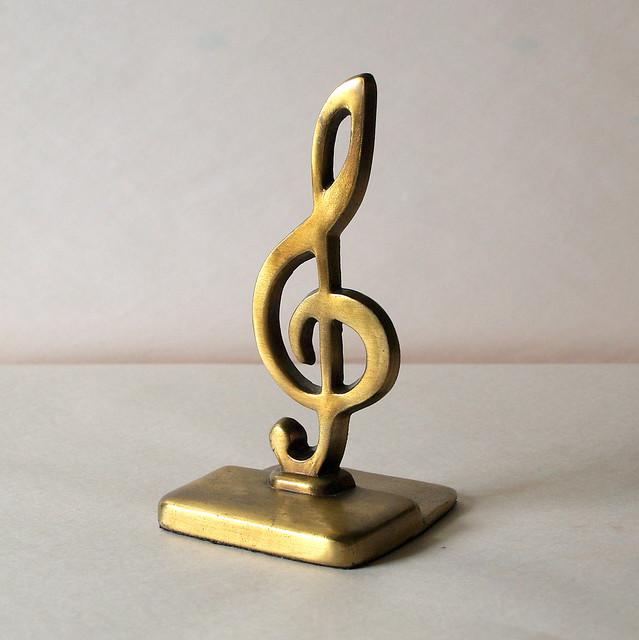 7222884636 824e4704cb - Treble clef bookends ...