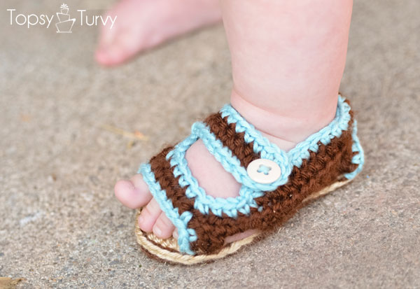 crochet-baby-sandals-toes