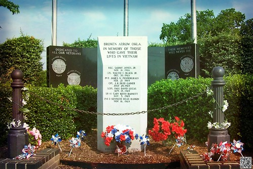 Vietnam Memorial in Central Park, Broken Arrow, OK