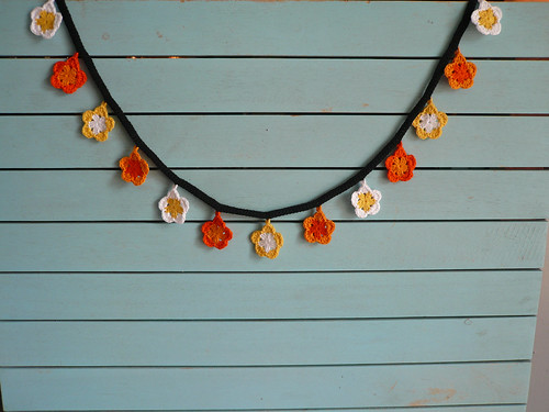 Orange_yellow flower garland