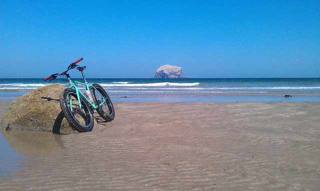 Surly Pugsley at Canty Bay, East Lothian