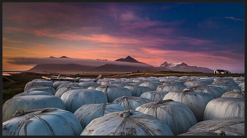 sunset iceland farm carlzeiss skarðsheiði hafnarfjall heyroll melasveit distagont2825 belgsholt