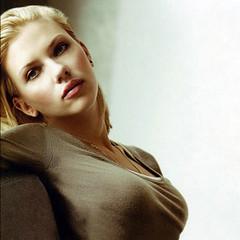 Scarlett_Johanson_300
