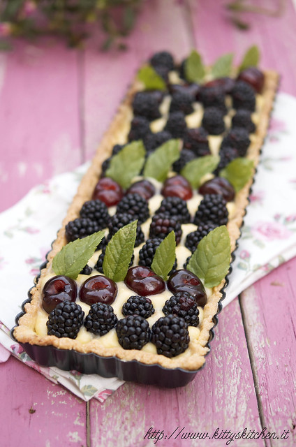 crostata con more e ciliege