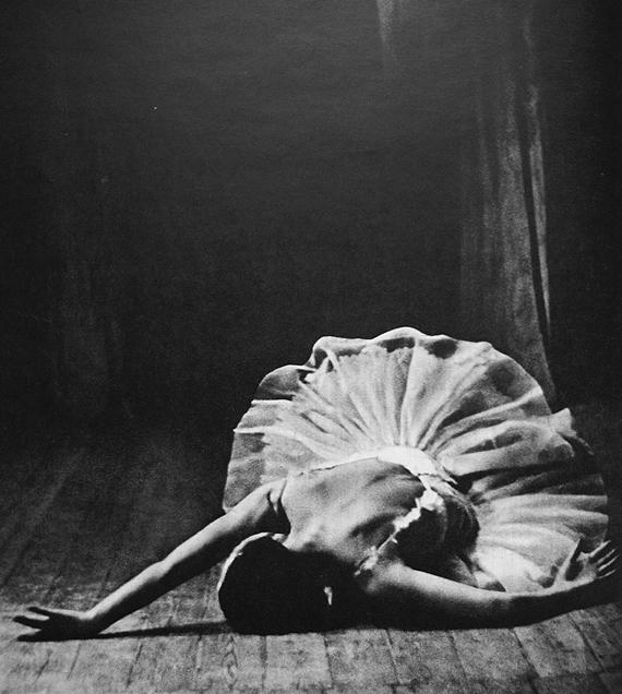 ballet-beautifull-black-and-white-dance-Favim.com-325393-2 ...