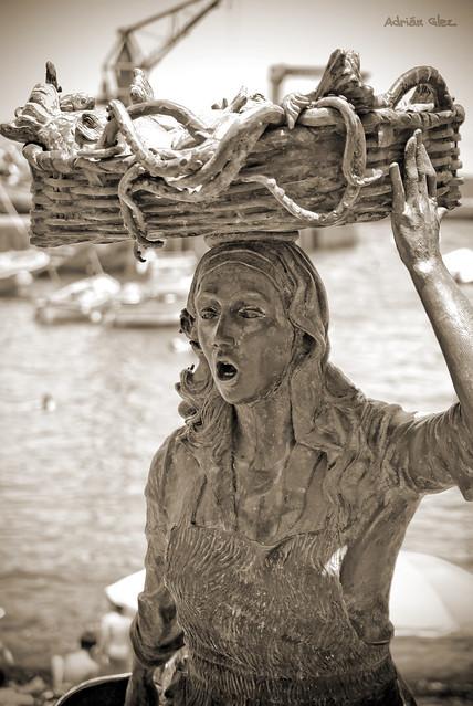 La Mujer pescadora, Puerto de la Cruz
