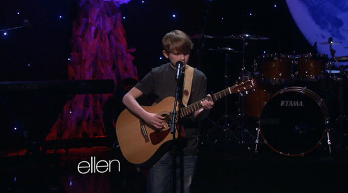 13_year_old_singing_on_ellen_show