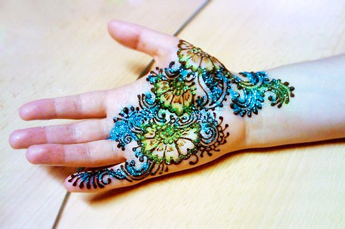 Latest Glitter Bridal Mehndi Designs (41)