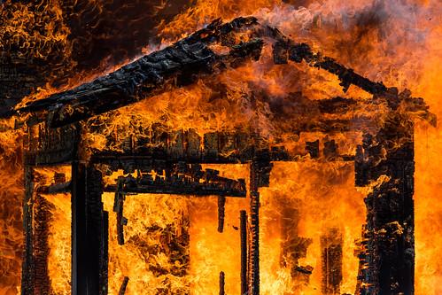 fire house flames hot kittitas pacificnorthwest editorial structure home canon orange yellow canonef100400mmf4556lisusm canoneos5dmarkiii johnwestrock washington