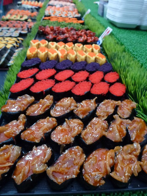 Super cheap sushi at the market