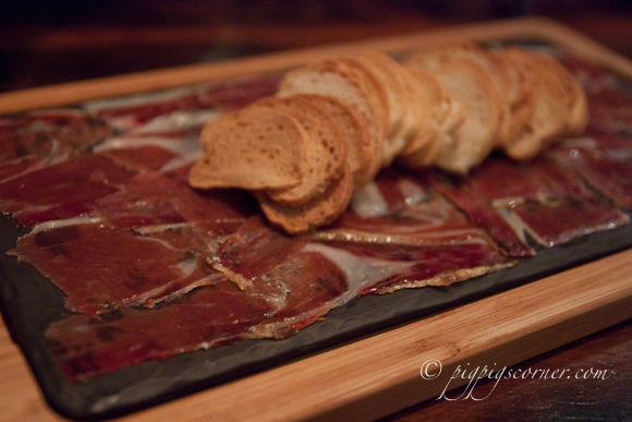 Bedrock Bar & Grill Steakhouse jamon