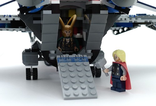 6869 Quinjet Hold