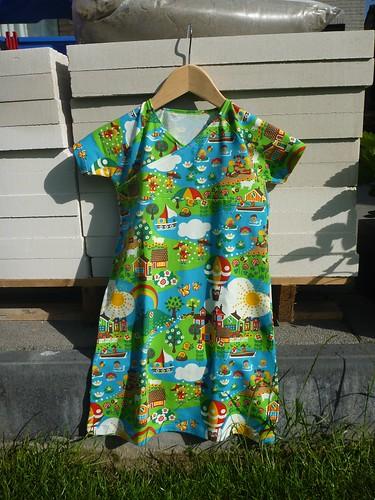 Pyjama of kleedje