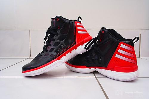 Adidas_adizeroshadow_01