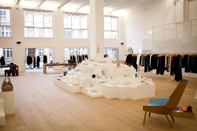 andreas murkudis concept store berlin. Black Bedroom Furniture Sets. Home Design Ideas