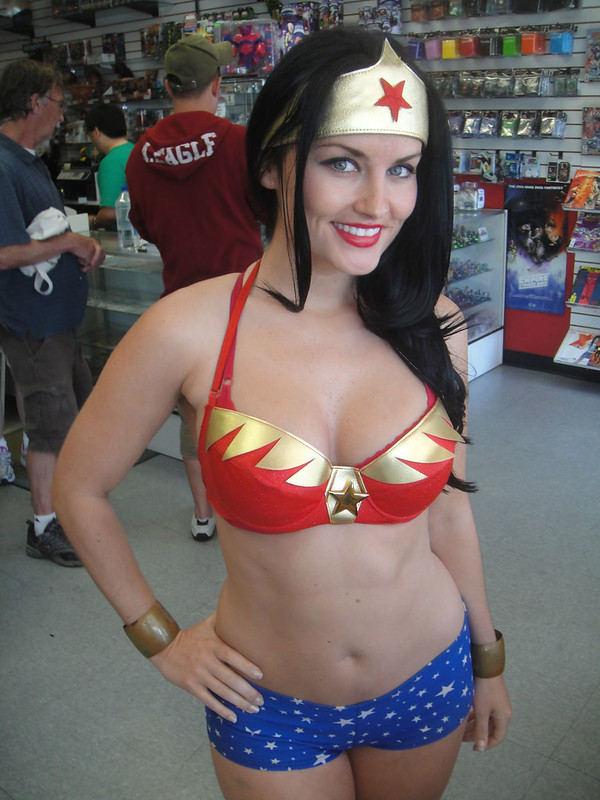 Free Comic Book Day 2012 - Wonder Woman