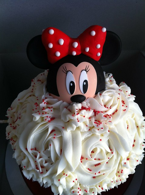 Minnie Mouse Smash Cake | Flickr - Photo Sharing!