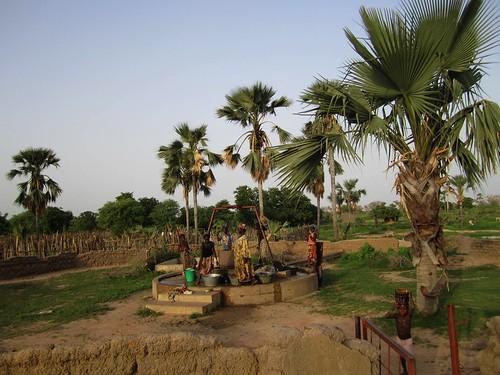 El pozo de agua de la aldea de Plea.