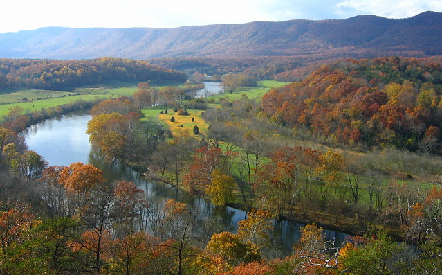 The view from the scenic overlook at Shenandoah River State Park.
